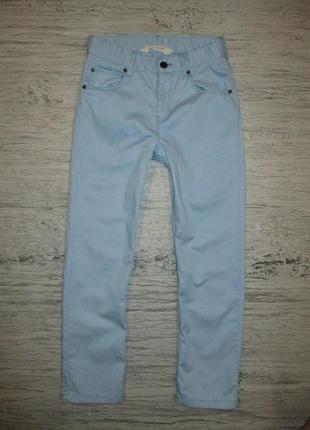 Голубенькие котоновые штанишки фирмы h&m на 7-8 лет