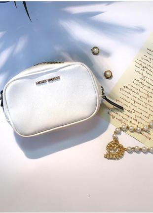 Белая сумочка/клатч