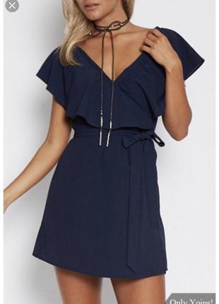 Новое с биркой платье на запах темно синее yoins
