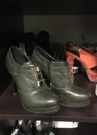 Оливковые ботиночки на осень