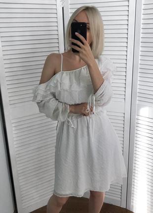 Неймовірно ніжна сукня з рюшами, нова!8 фото