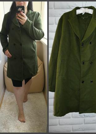 Стильное пальто красивого зеленого цвета, р. ххл, идет на 18-20 рр
