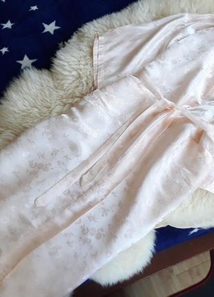 Нежный шелковый халат