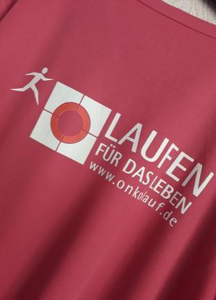 Классная  немецкая тенниска с аппликациями 48-50 размер3 фото