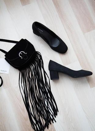 Трендовые,удобные,замшевые туфли на невысоком каблуке,мягкая стелька