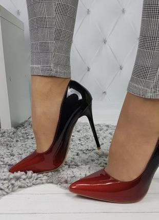 Новые шикарные женские черно-красные туфли лодочки