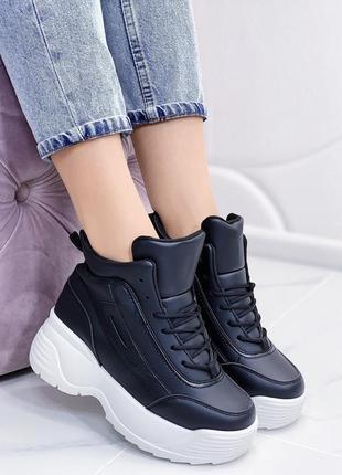 Новые женские черные высокие кроссовки сникерсы