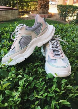 Кросівки mango🤗