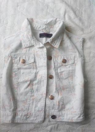 Короткий джинсовая жилетка