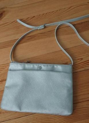 Класна срібна  сумочка reserved