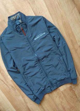 Новая с бирками мужская куртка - ветровка ветровка серая , s