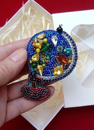 Замечательный, запоминающийся подарок для учителей брошь глобус