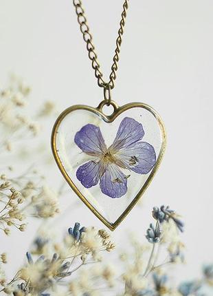 Кулон-сердце с фиолетовым цветком