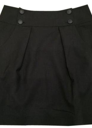Черная короткая юбка с карманами и пуговицами спереди  theory