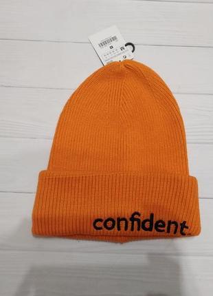 Оранжевая шапка zara , новая