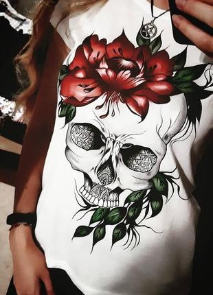 Женская футболка с черепом! размер m
