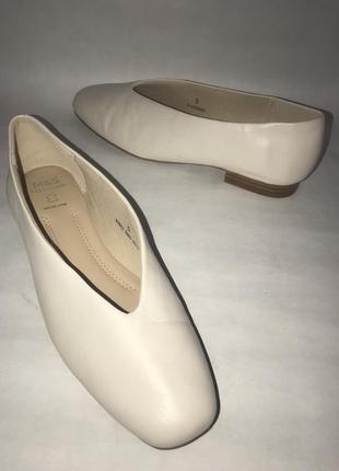 Женские кожаные туфли marks & spencer. размер 38. стелька 25.