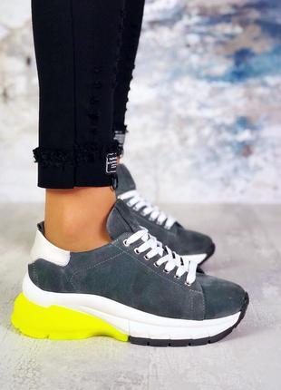Натуральный замш эксклюзивные серые трендовые кроссовки с неоновой пяткой