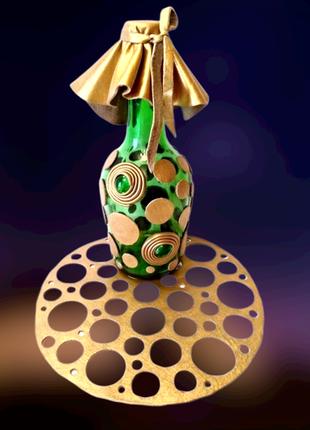 Бутылка для напитков, или ваза для цветов, декор кожей, кожаная салфетка.