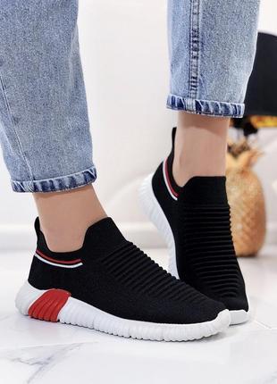 Новые шикарные женские черные кроссовки слипоны