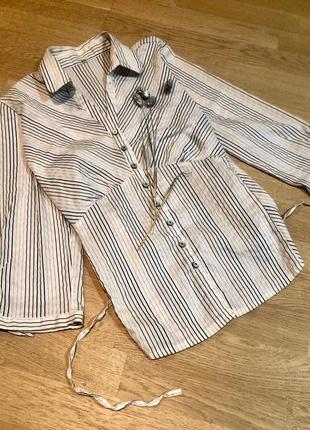 Красивая рубашка в полоску с завязками