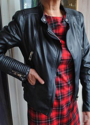 Черная куртка pull and bear из искусственной кожи
