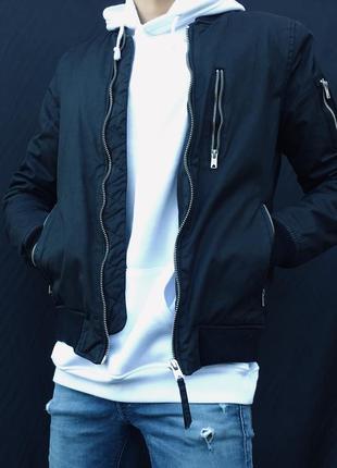 Black бомбер😎