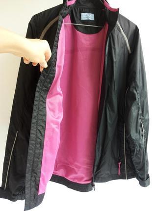 Легкая черная ветровка летняя куртка