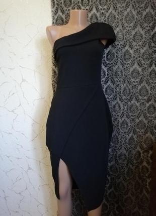 Платье на одно плече с запахом