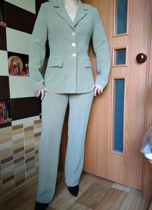Лёгкий брючный костюм пиджак брюки горчичного цвета разм s 36 высокая посадка