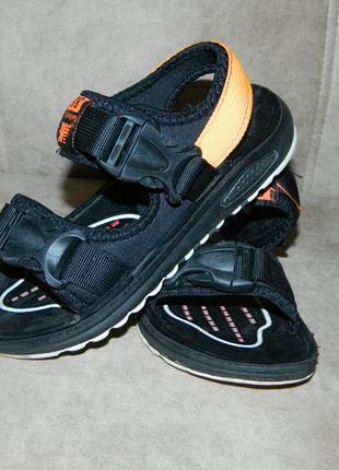 Босоножки сандали детские черные с оранжевым размер 32.