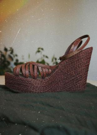 Босоножки на танкетке коричневые кожа кожаные танкетка сандали