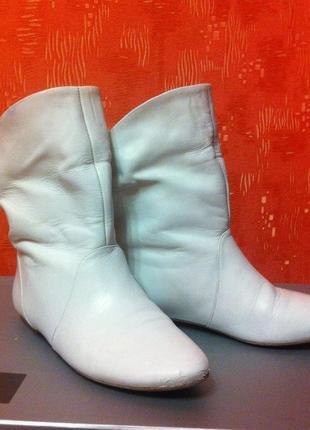 Белые кожаные ботинки полусапожки демисезон
