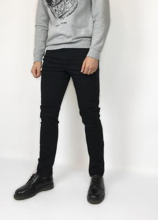Зауженные чёрные джинсы new look man strech skinny