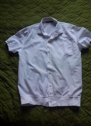 Тениска белая хлопковая для мальчика 158р