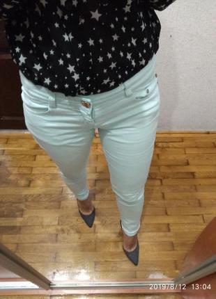 М'ятні джинси