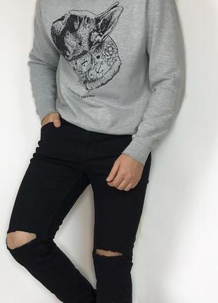 River island джинсы зауженные  чёрные рваные на коленях