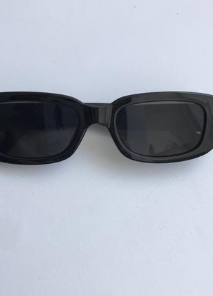 Очки прямоугольные в стиле ретро