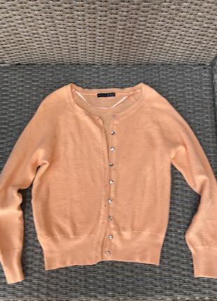 Кофта персикового цвета