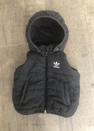 Тёплая жилетка adidas
