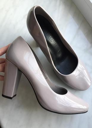 Туфли лаковые от бренда marks & spencer, новые с бирками