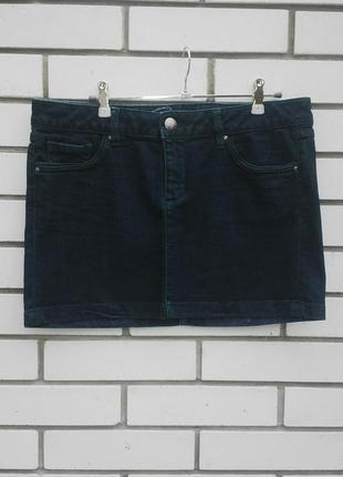Джинсовая мини юбка с зеленым оттенком