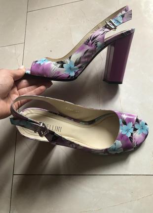 Туфли босоножки кожаные fellini
