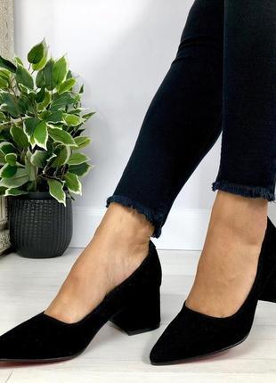 Натуральный замш люксовые черные туфли на среднем каблуке