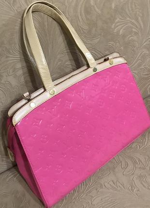 Кожаная сумка сумка кожаная лаковая louis vuitton
