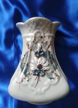 Миленькая вазочка для цветов