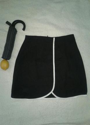 Черная юбка с белой тесьмой, s- m.