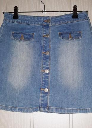Джинсовая мини юбка на пуговицах
