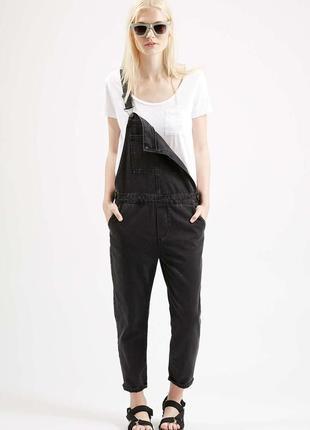 Стильный черно-серый джинсовый комбинезон бойфренд от boohoo
