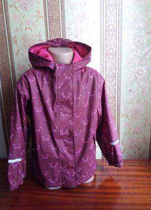 Детская фирменная  прорезиненная куртка дождевик ,на флисе от impidimpi, р. 122/128
